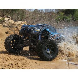 x_maxx_action_blue_water